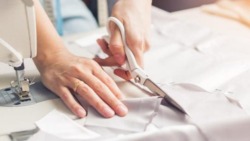 Curso de corte costura será tendência para os próximos meses; onde encontrar vagas abertas?